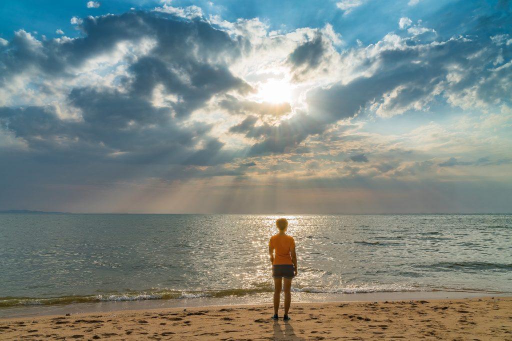 晴れ間と海